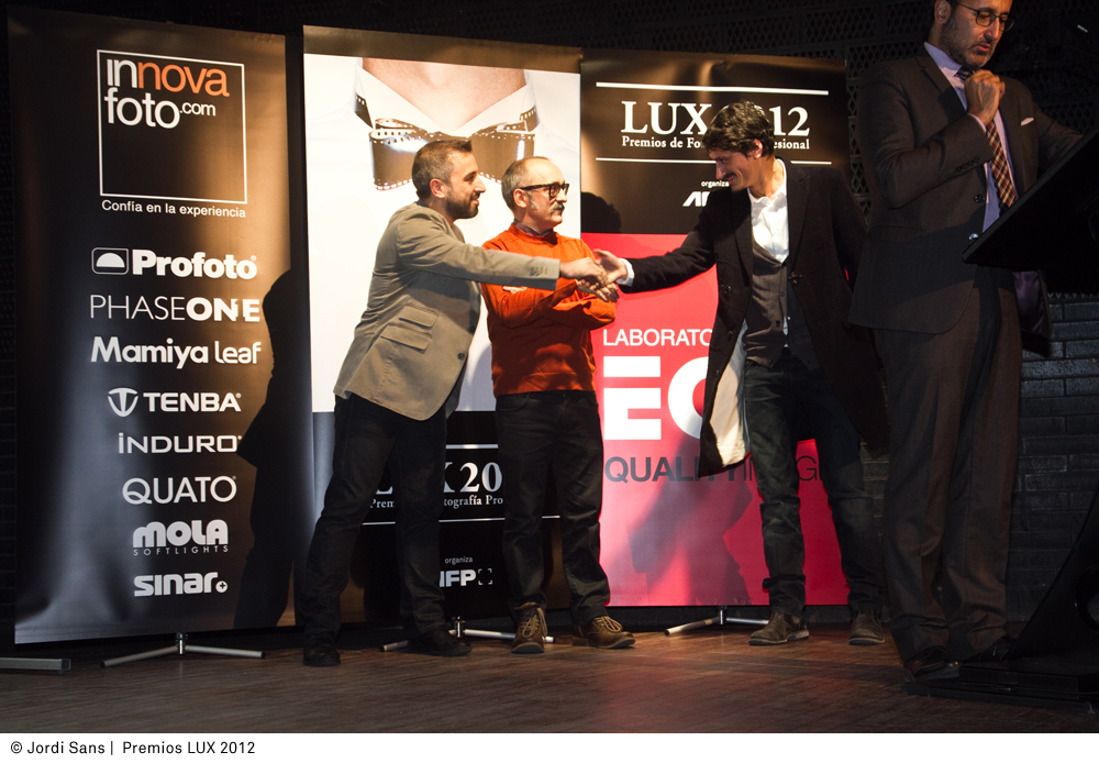 josep vila picking up the bronze award for best publicity campaign photography