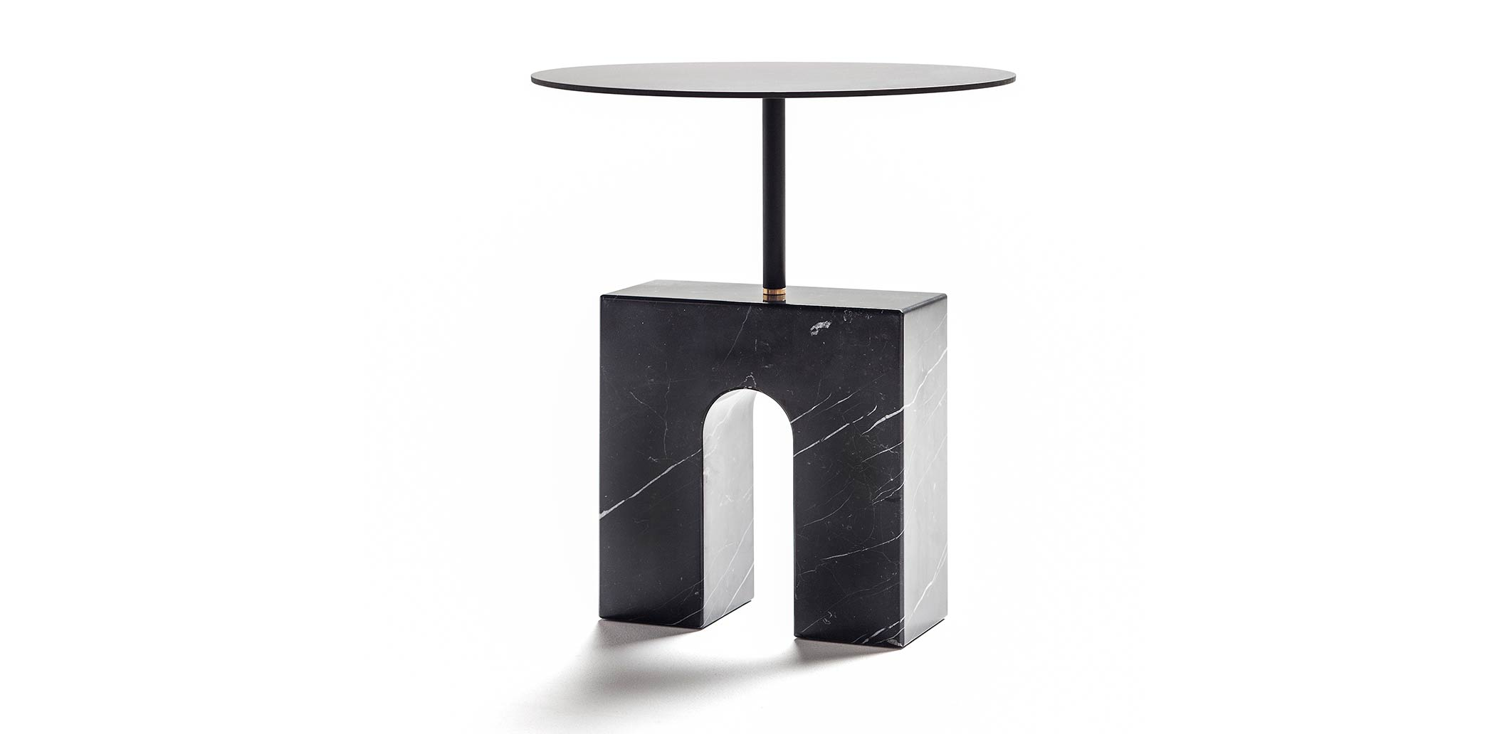 Triumph-single-table_carrousel_A