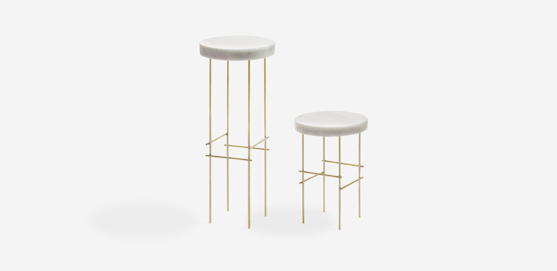 Marblelous Pedestal Brass MRBL116B Side table. Diameter: 30cm. Height: 44cm. For lovers of singularity: a pedestal to expose the thing you love most. The Marblelous Pedestal uses minimalist design to valorize nobles materials, adding style and elegance to your home.